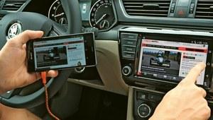 Jak działa połączenie telefonu z autem przez MirrorLink?