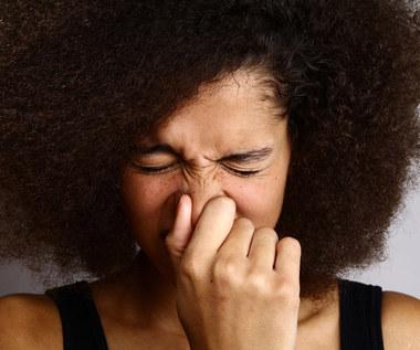 Jak kichać i kaszleć w miejscach publicznych?