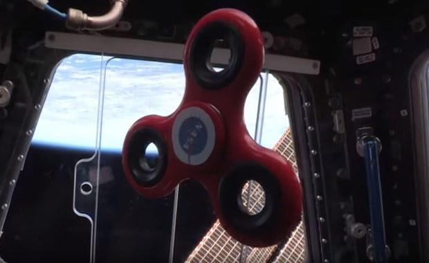 Jak kręci się fidget spinner w kosmosie? Astronauci NASA nagrali film