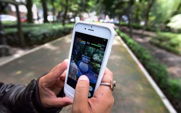 Jak na aplikację Pokemon Go zareagowali Polscy użytkownicy smartfonów? /AFP