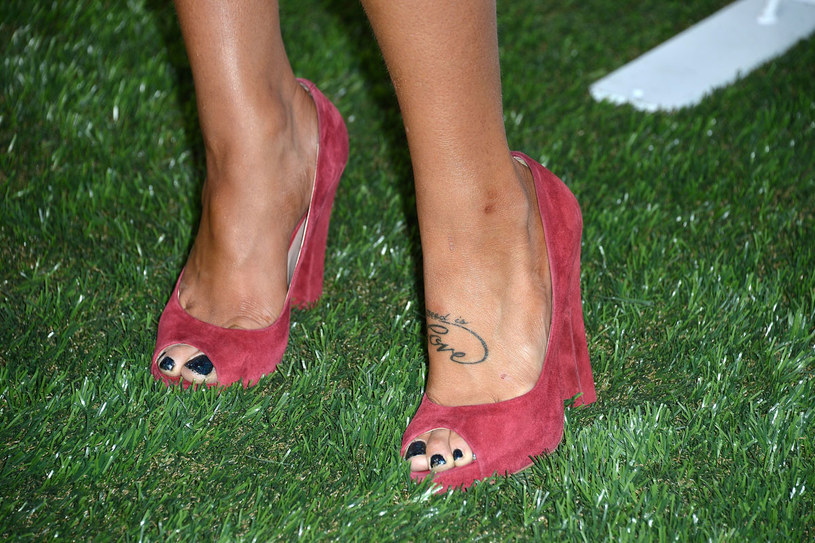 Jak należy dbać o letnie obuwie, by miało ładny wygląd? /Getty Images/Flash Press Media