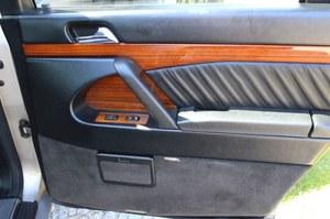 Jak naprawić niedziałające szyby w samochodzie?