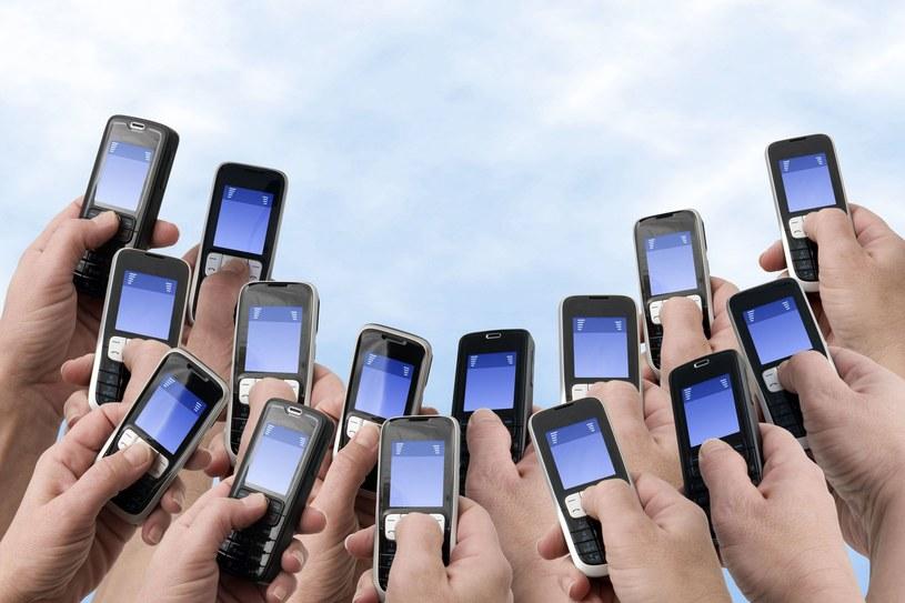 """Jak """"od kuchni"""" wyglądają narzędzia umożliwiające masową komunikację SMS i jakie oferują opcje? /©123RF/PICSEL"""