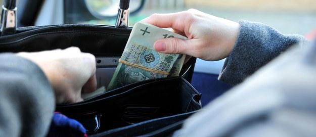 Jak oszczędzają Polacy? Poznajcie wyniki naszego sondażu!