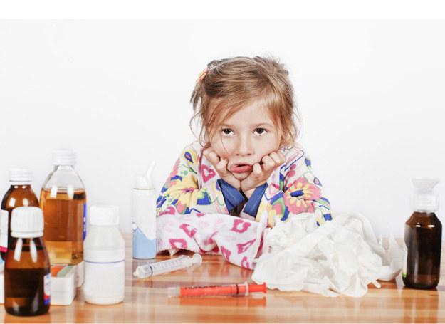 Jak podać dziecku coś, czego sami nie jesteśmy w stanie przełknąć? /©123RF/PICSEL