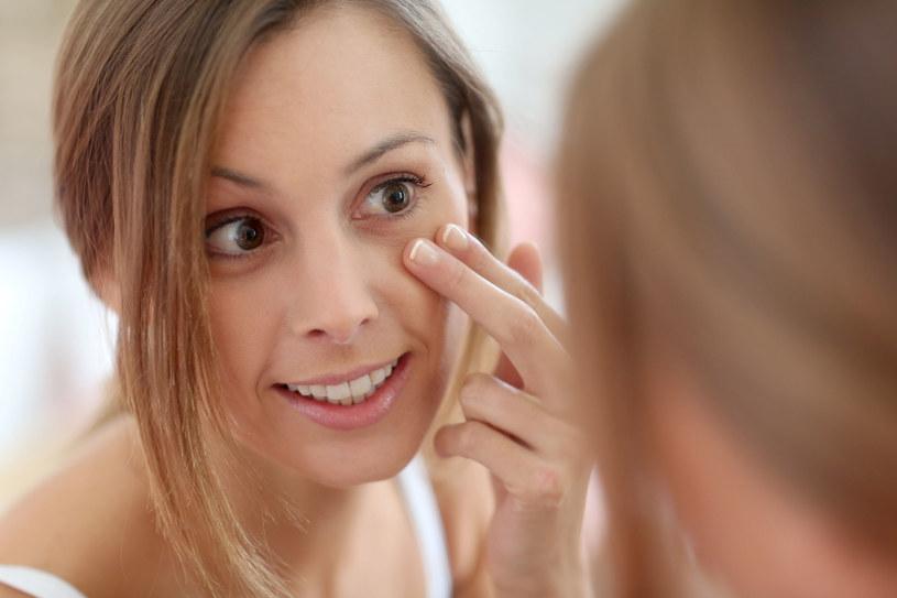 Jak pozbyć się opuchnięć wokół oczu? Skorzystaj z domowych sposobów /123/RF PICSEL