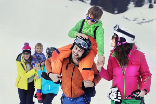 Jak się przygotować na ferie zimowe z dziećmi za granicą? /materiał zewnętrzny