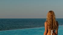 Jak wybierać kosmetyki na plażę? Dermatolog radzi