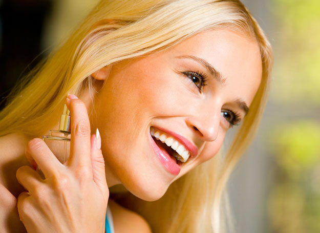 Jak wybrać idealne perfumy dla siebie /©123RF/PICSEL