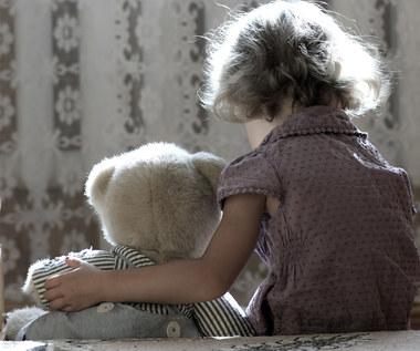 Jak wychowanie w rodzinie alkoholowej wpływa na dziecko?