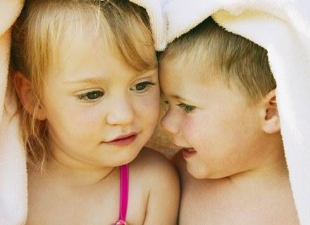 Jak wychowywać dzieciaki, kiedy są tak różne by wyrosłe na szczęśliwe? /ThetaXstock