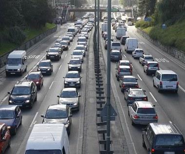 Jak zachęcić kierowcę do porzucenia samochodu?