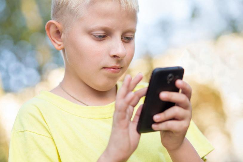 Jaki smartfon na Pierwszą Komunię? Staramy się odpowiedzieć na to pytanie /©123RF/PICSEL