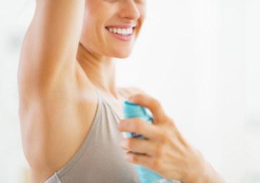 Jakie dezodoranty zapobiegną poceniu?