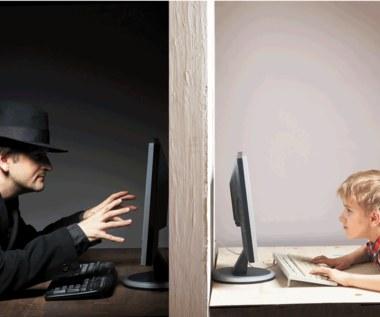 Jakie niebezpieczeństwa czekają na dzieci w Internecie?