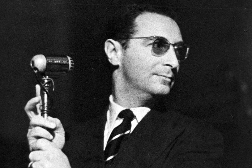 Jako konferansjer w warszawskiej Stodole podczas Jam Session w 1958 r. /Andrzej Zborski /East News
