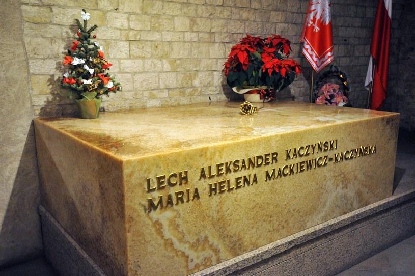 Jako pierwsze będą ekshumowane i zbadane szczątki Lecha i Marii Kaczyńskich spoczywające na Wawelu. /Wojciech Strozyk/REPORTER /East News