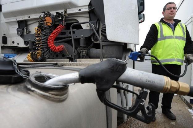 Jakość paliw pozostawia sporo do życzenia /AFP