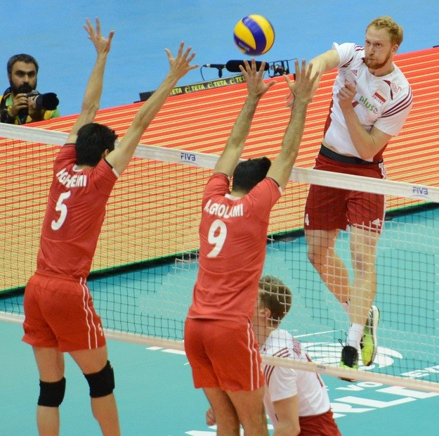 Jakub Jarosz w pierwszym meczu z Iranem zastępował kontuzjowanego Bartosza Kurka /www.fivb.org
