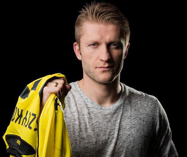 Jakub z koszulką Borussii Dortmund /materiały prasowe