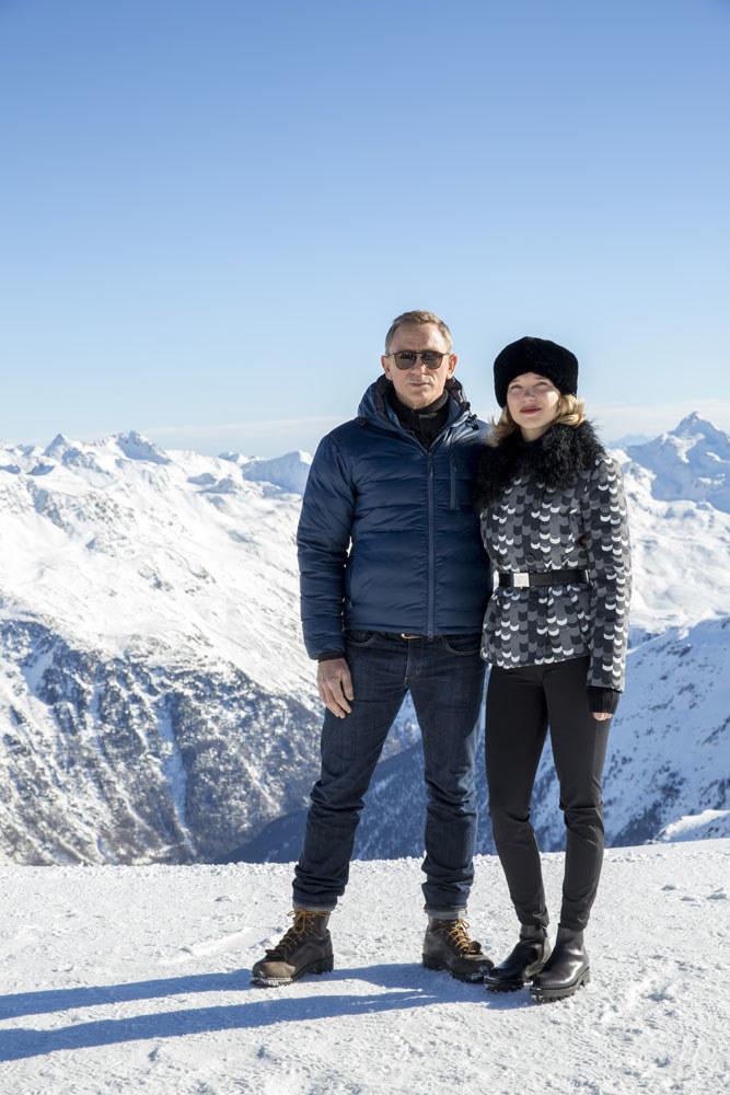 James Bond w akcji. Bond przywiózł do Austrii ochronę, 5 helikopterów transportowych, latające taksówki... /Getty Images