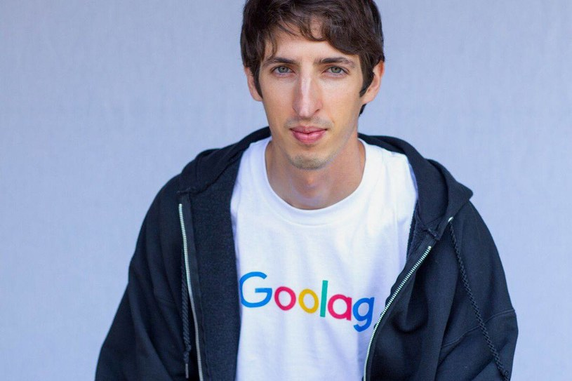 James Damore i jego nowe zdjęcie profilowe, w koszulce Goolag, zamiast Google. Dla kogoś z Polski, takie porównania są - delikarnie mówiąc - niestosowne /Internet