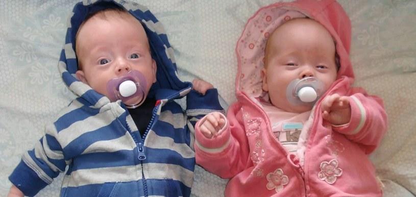 Jamie z siostrą bliźniaczką /YouTube