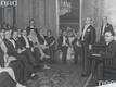 Jan Kiepura w Wiedniu (stoi drugi z prawej) na przyjęciu wydanego na jego część. Obecni m.in. książę Hohenlohe, minister finansów Austrii Draxler, poseł niemiecki von Papen, poseł chiński Liu Chung-Chie