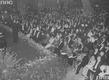Jan Kiepura na scenie podczas występu w Berlinie. Wśród publiczności widoczni m.in. minister propagandy Joseph Goebbels, premier Prus Hermann Goring, aktorka Emma Sonnemann