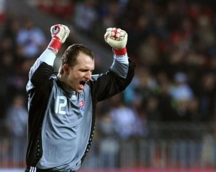 Jan Mucha dzięki dobrej grze w Legii trafił do reprezentacji Słowacji /AFP