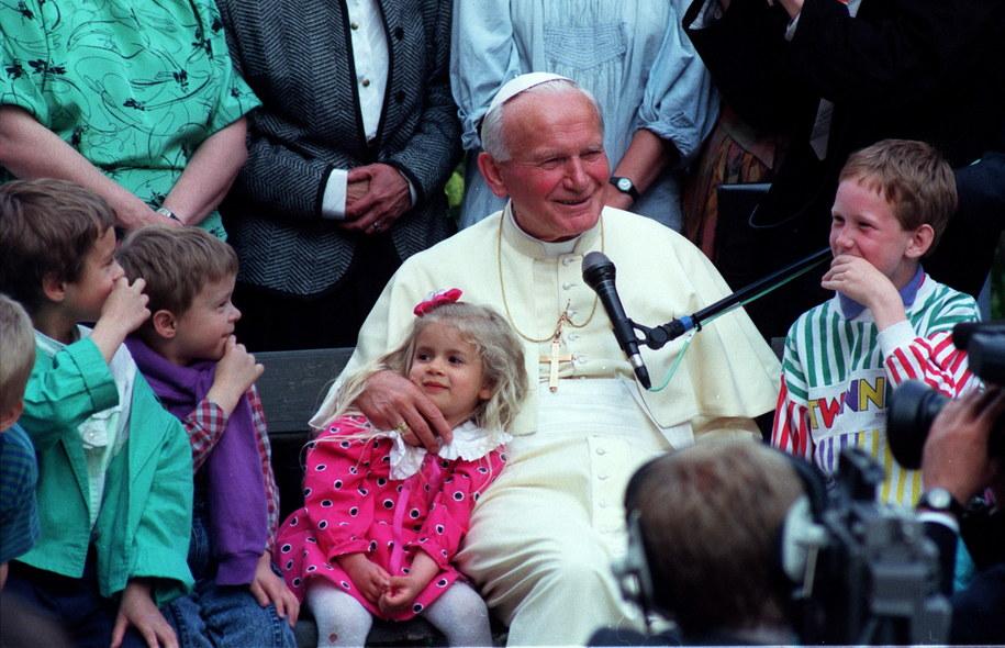Jan Paweł II zostanie ogłoszony świętym /Janusz Mazur /PAP