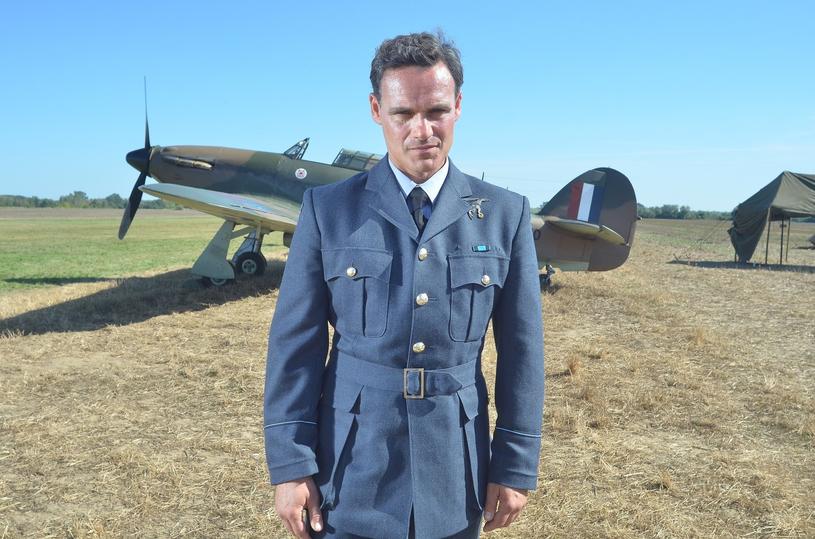 """Jan Wieczorkowski na planie filmu """"Dywizjon 303"""" /Tricolors /East News"""