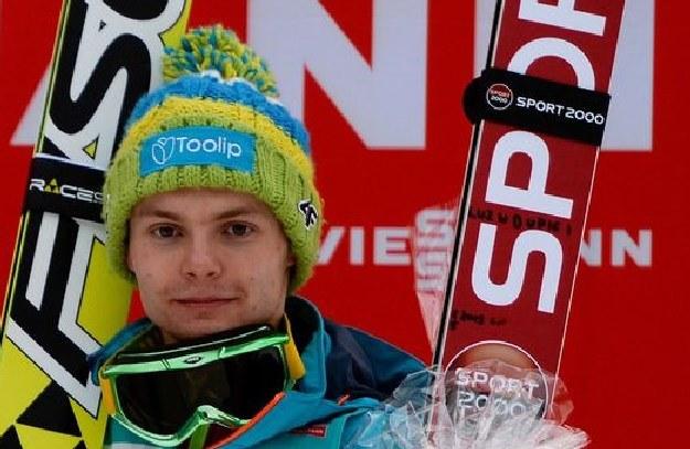 Jan Ziobro i jego słynny napis na nartach. /AFP