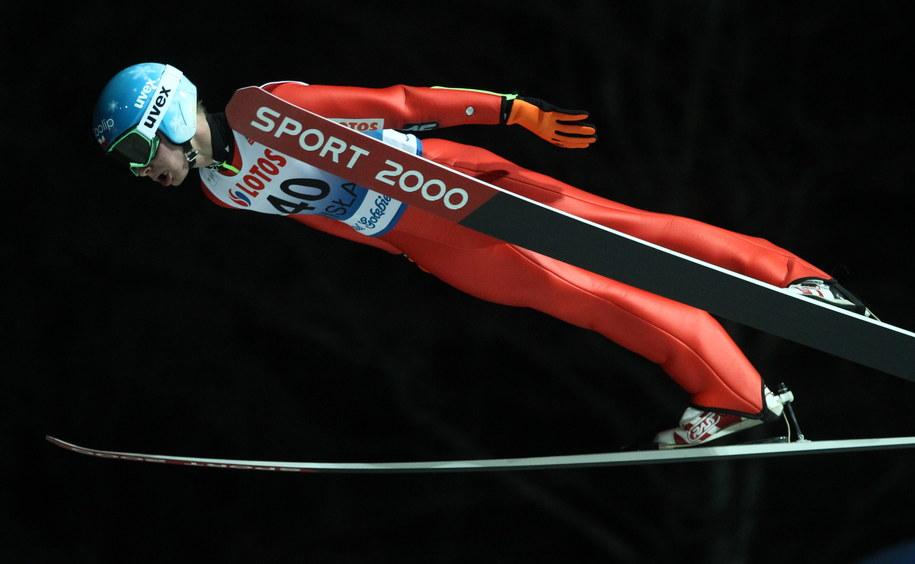 Jan Ziobro w pierwszej serii konkursu Pucharu Świata w skokach narciarskich /Grzegorz Momot /PAP