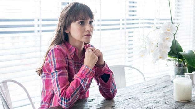 Janka (Joanna Osyda) wciąż coś czuje do Marcina. Czy stanie na drodze do szczęścia narzeczonych? /Agencja W. Impact