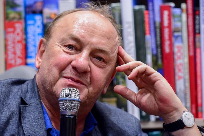 """Janusz L. Wiśniewski: """"W internecie można się zaprzyjaźnić, zakochać, a nawet oszaleć z miłości"""" /East News"""