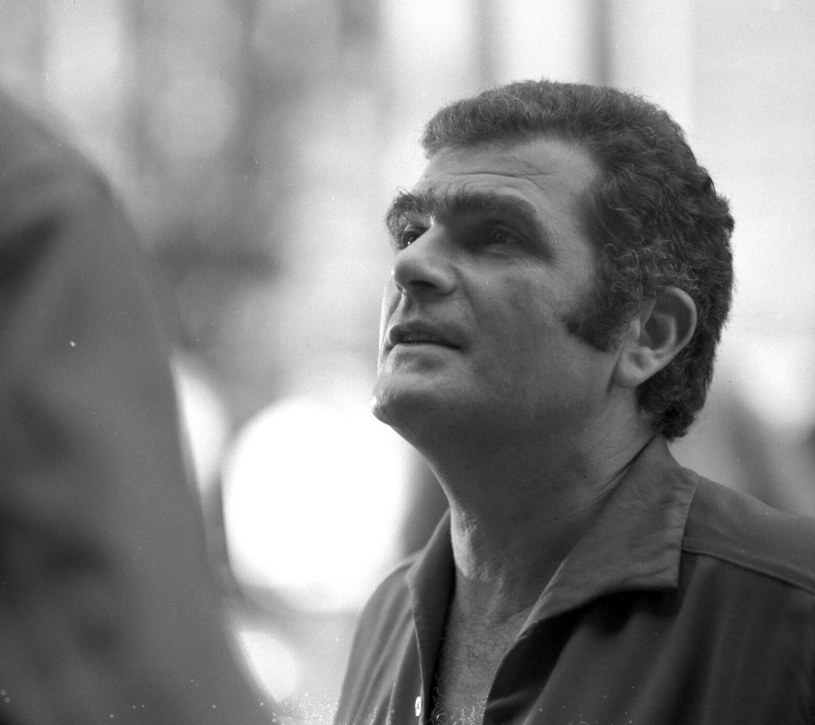 """Janusz Morgenstern na planie filmu """"Trzeba zabić tę miłość"""" /East News/POLFILM"""