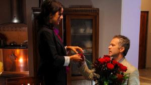 Janusz oświadcza się Marcie!