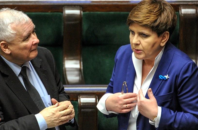 Jarosław Kaczyński i Beata Szydło zapowiedzieli poparcie projektu /Marcin Obara /PAP