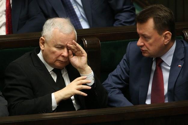 Jarosław Kaczyński (L), lider PiS oraz Mariusz Błaszczak, minister spraw wewnętrznych /Tomasz Radzik /Agencja SE/East News