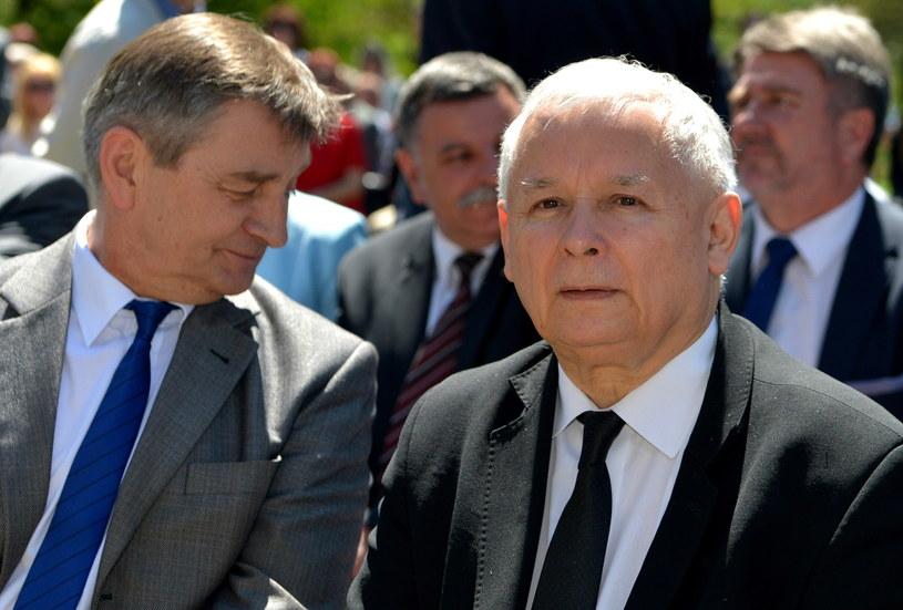 Jarosław Kaczyński, obok Marek Kuchciński /Darek Delmanowicz /PAP