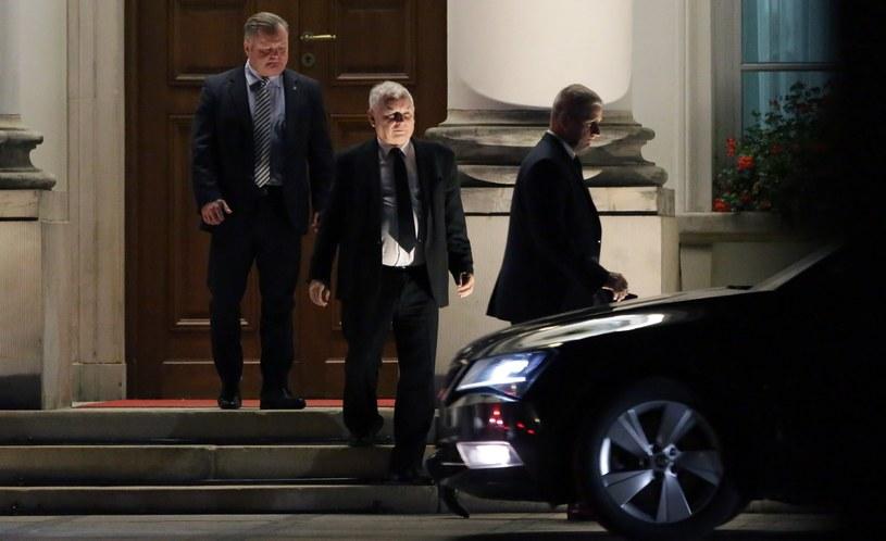 Jarosław Kaczyński po spotkaniu w Belwederze /Tomasz Gzell /PAP