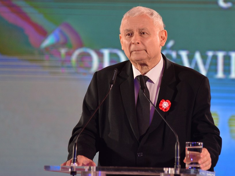 Jarosław Kaczyński podczas przemówienia w Krakowie /Łukasz Kalinowski /East News