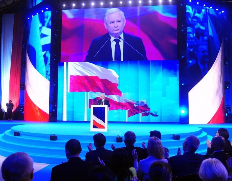 """Jarosław Kaczyński w czasie opisywanej przez """"Newsweek"""" konwencji PiS na Torwarze /Jan Bielecki /East News"""
