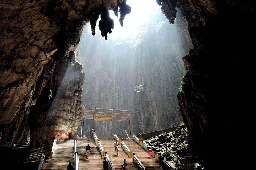 Jaskinie Batu /erient.info /materiał zewnętrzny