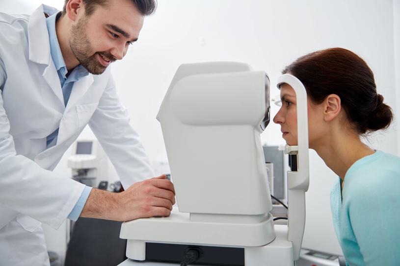 Jaskra to grupa chorób charakteryzująca się wspólnymi cechami, np.: zanikiem nerwu wzrokowego /Picsel /123RF/PICSEL