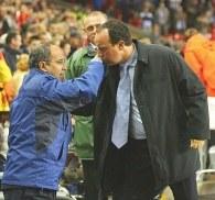 Javier Irureta (z lewej) i Rafael Benitez /AFP