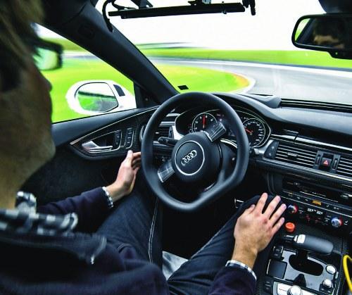 jazda półautonomiczna /Motor
