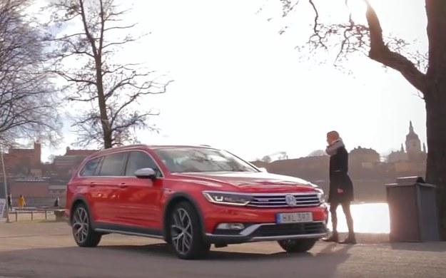 Jazda testowa nowym Volkswagenem Passatem Alltrackiem na telefon /