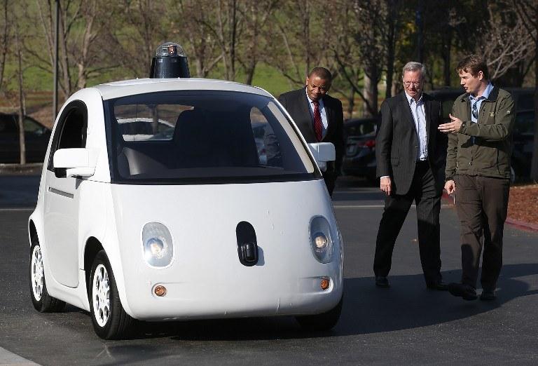 Jeden z autonomicznych samochodów Google (niestety, nie dysponujemy fotografią samochodu, który miał wypadek) /AFP